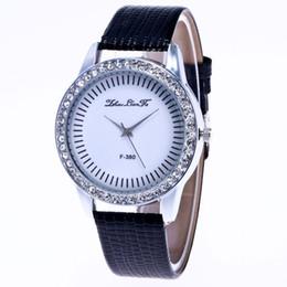 d4854a8863f 2019 malas de couro Pulseira de couro liga case strass decoração simples  mulheres relógios de pulso
