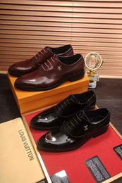 Couro forro homens sapatos de vestido on-line-2018 outono inverno nova moda high-end dress sapatos de couro dos homens tecido importado camada superior de couro de bezerro encerado forro de pele de carneiro duas cores