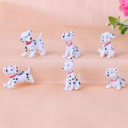 decorazione di compleanno del giardino Sconti Spotted dog Figurine Miniature Decorazione mini fata giardino animale statua in resina artigianale Casa auto decorazione torta di compleanno