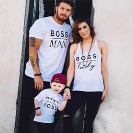 Eşleşen Aile Giyim Anne ve Ben Kıyafetler Anne ve Kızı Giysi Aile Bak T gömlek Anne Baba Kızı Oğul Mini Patron Tees nereden