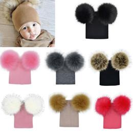 e3d0701dac3 2019 llanura bebé De alta Calidad Infantil Del Bebé Unisex Doble Piel Bolas Pom  Beanies Sombreros