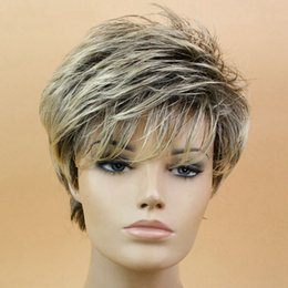 Black Mixed Blonde Peluca Recta Corta Pixie HairCut Style Pelucas Para  Mujeres Blancas Fibra de Alta Temperatura de Pelo Sintético estilo  duendecillo ... 075fd352c2b2