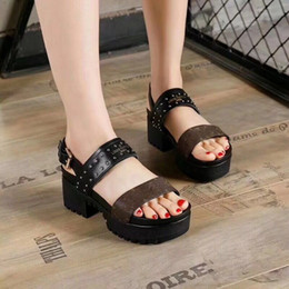 Wholesale summer sandals short heels - 2018 hot selling women's thick heel sandals shoes office lady casual thick bottom sandals green short heels girls fashion black shoes 9 #T02