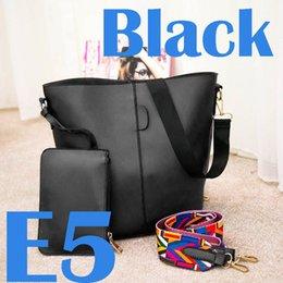 Wholesale Large Shoulder Strap Bags - Fashion 100 - lap tassel shoulder slanted shoulder strap with a wide shoulder strap.