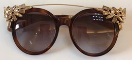 Wholesale Poly Crystal - 2018 new luxury Brand sunglasses Cat Eye Sunglasses for women high quality Vintage Designer Crystal Diamond Frame Sunglasses uv400