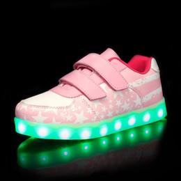 2019 zapatos de led rosa niños Azul rosado Nuevos niños Zapatillas de deporte brillantes Zapatos luminosos para niños niñas Moda Light Up Casual niños 7 colores carga USB rebajas zapatos de led rosa niños