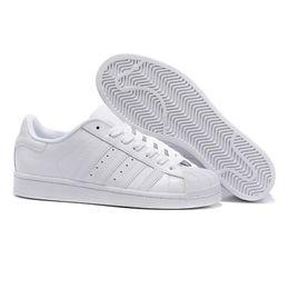 Bianco abbagliante online-2019 Scarpe da uomo per scarpe da donna Scarpe bianche Scarpe da donna di colore Dazzle di colore Superstar Scarpe casual da uomo. Spedizione gratuita