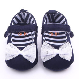 обувь для девочек Скидка Baby Girls Soft Sole Shoes Navy Blue Denim With White Lace Bowknot Toddler Canvas Shoes