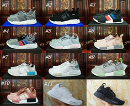 Wholesale running tri - NMD Runner R1 Mesh Tri-Color Grey Pink White Blue Women Men Running Shoes Sneakers Trainers Fashion Nmds Runner Primeknit Shoes