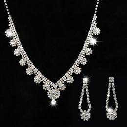 ac5da0d18cee Crystal 2018 edición de han del nuevo diseño y alta calidad de la joyería de  la boda nupcial dama de honor collar + pendientes de la fuente han earrings  ...