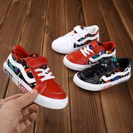 weiße schmetterling schuhe mädchen Rabatt Neue Ankunfts-Segeltuch-Schuh-Kind-Jungen-Mädchen-beiläufige weiße Schuh-koreanische Version der Graffiti-Art und Weise für Kinderschuh