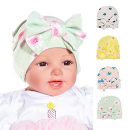 Enfant en bas âge Nouveau-né Bébé Chapeau Rose Fleur Chapeaux Filles Douces  Bowknot Dots Bonnets Confortablement Hôpital Casquettes pour 0-3 M Drop  Shipping ... f97a5a7d672