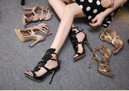 Sandali di fiamma online-Caldo! Le donne tallona i nuovi sandali del tacco alto dell'ala del foglio della foglia del metallo della fiamma dei pattini taglia 35-40 Trasporto libero