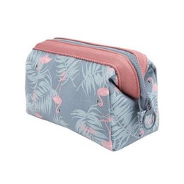 Neue Ankunft Flamingo Kosmetiktasche Frauen Necessaire Schminktasche Reise Wasserdichte Tragbare Kosmetiktasche Kulturbeutel Kits von Fabrikanten