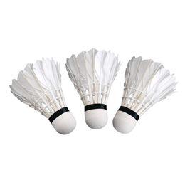 3pcs Game Sport Training White Duck Feather Shuttlecocks Badminton Ball VB Bälle Weitere Ballsportarten