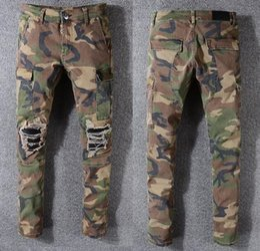 Argentina Famosos pantalones de camuflaje Nuevo diseñador de moda de verano para hombre ripped famoso motorista de marca Pantalones casuales pantalones de hip hop para pantalones vaqueros Pantalones largos Suministro