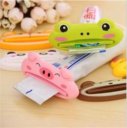 Mais barato Prático Gadgets de Animal Dos Desenhos Animados tipo Multi-Purpose Toothpaste empurrador Criativo Dentífrico Extrusora para DHL frete grátis de Fornecedores de extrusora