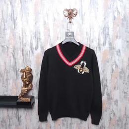 Wholesale Crochet Style Tops - 2018 Luxury brand fashion men's sweater knit V-neck stripe badge applique bee new winter warm tops