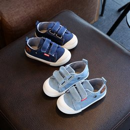 zapatos de bebe talla 4.5 Rebajas Todos los tamaños 21-30 2018 Fall zapatillas de lona de las muchachas de los muchachos los zapatos ocasionales de los deportes estrella brillante de los niños calza los zapatos para caminar de cinco puntas de calidad bebé