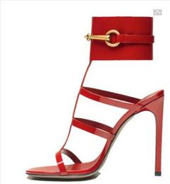 Sandales à bas prix en Ligne-Gros-Grand Taille 10 Cheap Ursula Sandales En Cuir Verni Noir Horsebit Cheville Sandale À Talon Haut Talon Grande Boucle D'été Chaussures Chaussures
