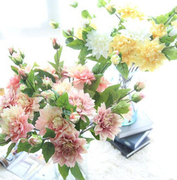 2019 flores de dalia roja Chicas Dahlia en flor Hortensias Colores rojos Flores falsas Regalos elegantes para centros de mesa para bodas Fiesta en casa Restaurante Dinning flores de dalia roja baratos
