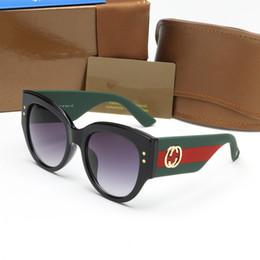 Wholesale Designing Brand Logo - Italy classic brand logo 3864 sunglasses woman bee design fashion sun glasses good quality man driving shade glasses 2018 new.