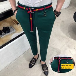 Мужские белые брюки онлайн-Trousers Mens Green Pants Mens Casual Pantalones Hombre Calca Masculina 2018 White British Style Red Social Club Slim Fit Tight