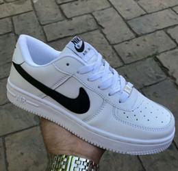 2019 moda sapatos casuais Venda quente Tamanho 36-44 2018 versão atualizada Novo Todos os Sapatos Brancos Homens e Mulheres Na Moda Sapatos Casuais moda sapatos casuais barato