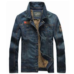Beiläufige dünne gewaschene Denim-Jacke Mens-Samt-starker warmer Mantel und  Jacken Männer Retro- Cowboy-Jeans-Winter-Oberbekleidung Chaqueta Hombre efb6da4761