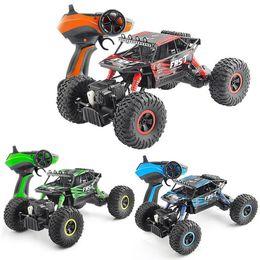 детские игрушки для мальчика Скидка 1: 18 RC автомобиль электрический 4WD пустыня SUV 2.4 G Rock Rover Off-Road высокая скорость 40 км / ч Big Foot гоночный автомобиль игрушки для детей подарок