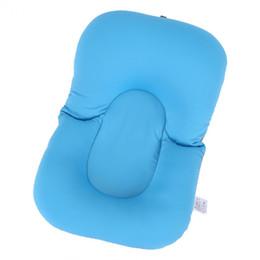 Almohada de asiento infantil online-Cojín de asiento de bebé recién nacido para bebés Cojín de asiento de bebé suave Cojín de aire flotante de baño Bañera no flotante Accesorios de baño