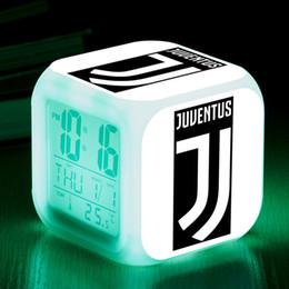 Будильник включен онлайн-Italy Football Club Waker Up Light LED Alarm Clock Kids Toys reloj despertador infantil 7 Color Flash Watch Clocks Desk lamps