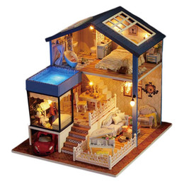 2019 mobília em miniatura da casa de boneca led De madeira DIY DollHouse 3D Casa de Bonecas Em Miniatura Kit de Resina Lifelike Moradias De Luxo Casas De Bonecas com Luz Led Melhor Presente Das Crianças mobília em miniatura da casa de boneca led barato