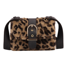 Меховой мех онлайн-Fashion Famous Designer  Small Women Fake Animal Fur Handbags Leopard Buckets Shoulder Bag CrossBody Messenger Bags