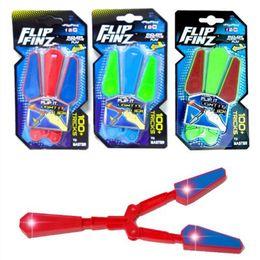 facas de borboleta flail Desconto Fidget Spinner Brinquedos Essenciais Flip Finz LED Light Up Luminosa Faca de Plástico Flail Toy Movimento de Rotação de Descompressão Facas Borboleta Y