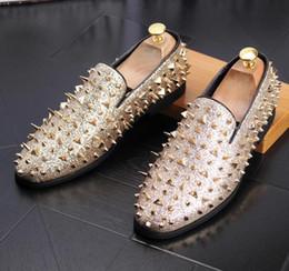 Chaussures habillées homme noir en Ligne-Homme point chaussure habillée designer italien robe habillée pour homme chaussures chaussures de mariage de luxe noir doré rivet bureau pour hommes a24