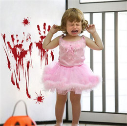 partido do dia das bruxas posters Desconto 2018 Halloween Horrível Bloody Zombie papel de parede Mão Pé Adesivo Sede Do Sangue Handprint Home Window Adesivos de Parede Decoração Do Partido Cartaz