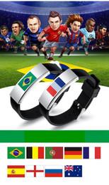 flor de la luz de la luna Rebajas 2018 World Cup Flag Pulsera Deportes pulseras de goma bandera nacional pulsera para los fanáticos del fútbol regalos souvenirs brazaletes