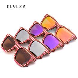 Lunettes de soleil full hd en Ligne-CLYLZZ 2018 lunettes de soleil en bois de planche à roulettes à rayures Vintage Men Square HD lentille polarisée Full Frame main lunettes de soleil lunettes