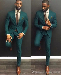 Cazador de chaqueta online-Hombres Cena Fiesta de Baile Traje Moda para hombre 2018 custom make hunter esmeralda boda esmoquin de boda novio traje delgado (chaqueta + pantalón + pañuelo)