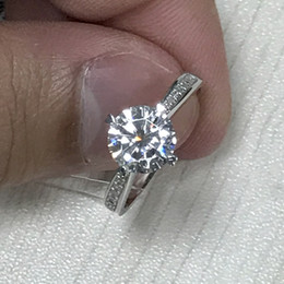 2019 quilate diamante 18k 18K oro circular D color blanco Mullite anillo de cuatro garras diamante anillo de bodas amantes anillo de diamantes 1 quilate diseño personalizado A911 quilate diamante 18k baratos