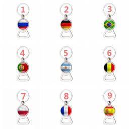 Bottiglie di vino souvenir online-Apribottiglie multifunzionali della birra di vino del apri della bandiera di paese della coppa del Mondo con il regalo creativo del ricordo di fan di calcio della catena chiave