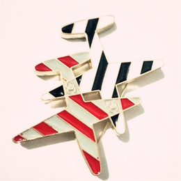 Wholesale gray metal south - New Fashion Cute Little Airplane Brooch Plated Metal Brooches Pins Rhinestone Model Fighter Aircraft Jewelry Suit accessories gift