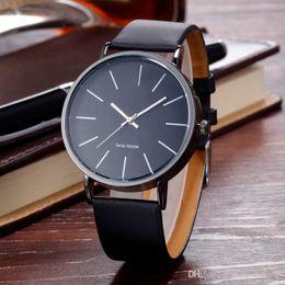 Новое прибытие элегантный классический кожаный часы Марка мужчина женщина Леди девушка мужская мода простой дизайн кварцевые платье наручные часы Reloj hombre от