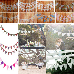 Triangolo bandiera online-New Banner Flags Lace Pennant Bunting Banner Triangolo Forma Hanging Wedding Party Decor Banners Banner bandiere WX9-746