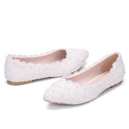 bc7e33fff12ab 2019 New Style White Flats Dentelle De Mariage Chaussures De Mariée  Chaussures En Soie Ballerine chaussures de mariée blanche pas cher
