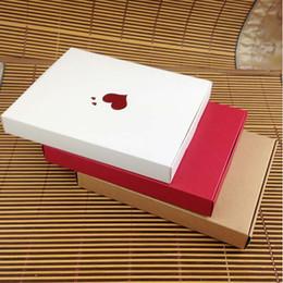 Rote weiße hochzeitstorten online-European Creative-Süßigkeit-Kasten-Hochzeit Romantische Kuchen Papierkasten 3 Farben süsses Geschenk Kraft Paper Fall-Rot / Schwarz / Weiß