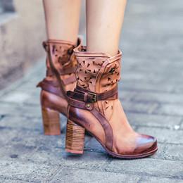 bota medio corte Rebajas Botas de mujer de piel de vacuno de estilo británico Chuky tacón 2019 Cut out Half Martin Boots Zapatos individuales