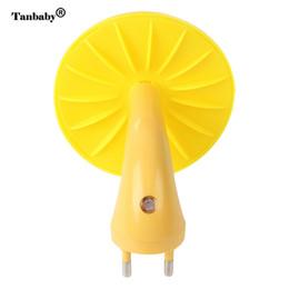Canada Tanbaby Mini bande dessinée forme nuit a conduit la lampe à économie d'énergie lumière enfants cadeau pour enfants bébé chambre à coucher supplier cartoon shape led night lights Offre