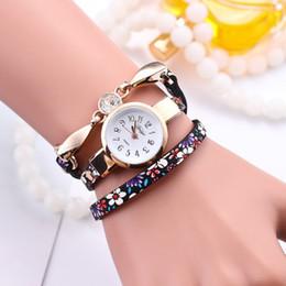 Billige strass uhr online-Marken-Frauen-Uhr-neue Dame-Rhinestone-beiläufige Quarz-Uhr-Art- und Weisekleines Blumenkreis-Armband-Armbanduhr ZC180101 Günstige Mischungs-Ordnung